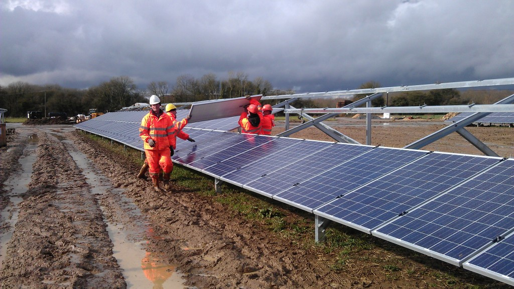 Photovoltaic plant assembly in England (UK)