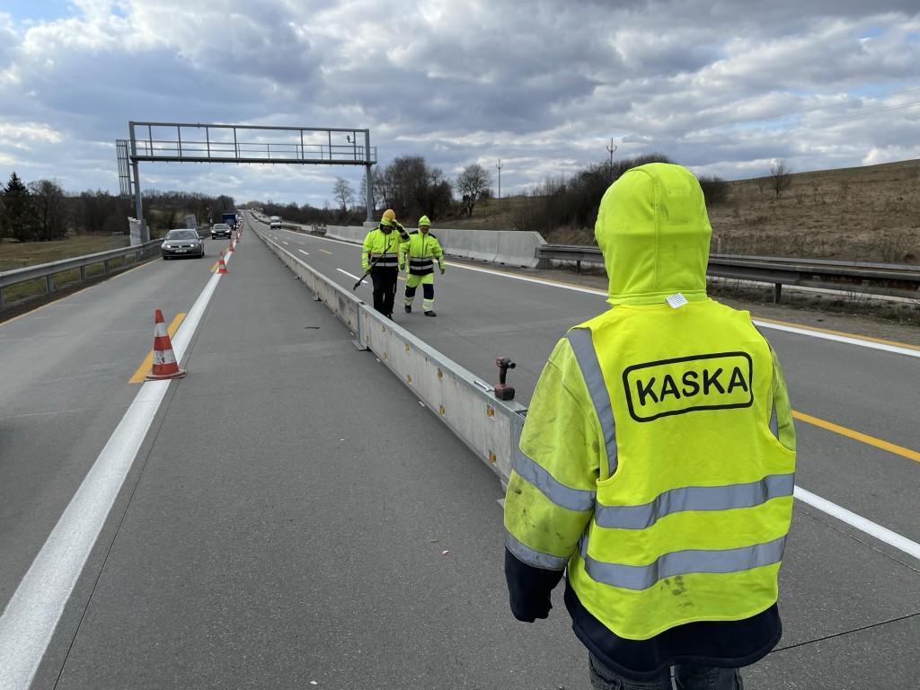 mobile crash barriers