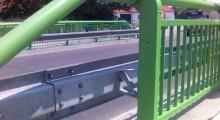 Ocelová svodidla (NH4, AM, Voest Alpine…), betonová svodidla (Delta Bloc, City Bloc), zábradelní systémy.